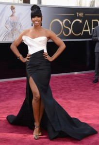 Kelly Rowland at the 2013 Oscars in Donna Karan Atelier
