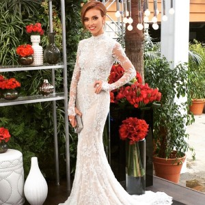 Giuliana Rancic wearing Australian/Lebanese designer Steven Khalil at the 2015 Oscars