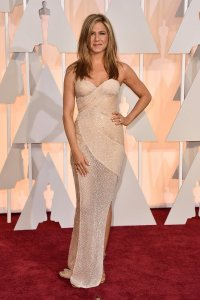 Jennifer Aniston wearing Atelier Versace at the 2015 Oscars