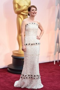 Julianne Moore wearing Chanel at the 2015 Oscars
