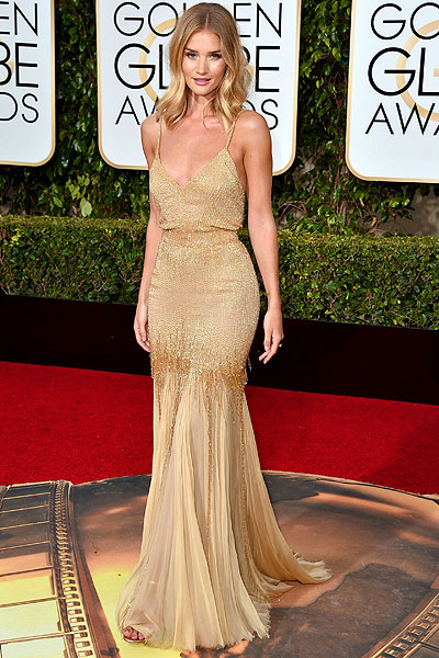 Rosie Huntington-Whiteley at the 2016 Golden Globes in Atelier Versace
